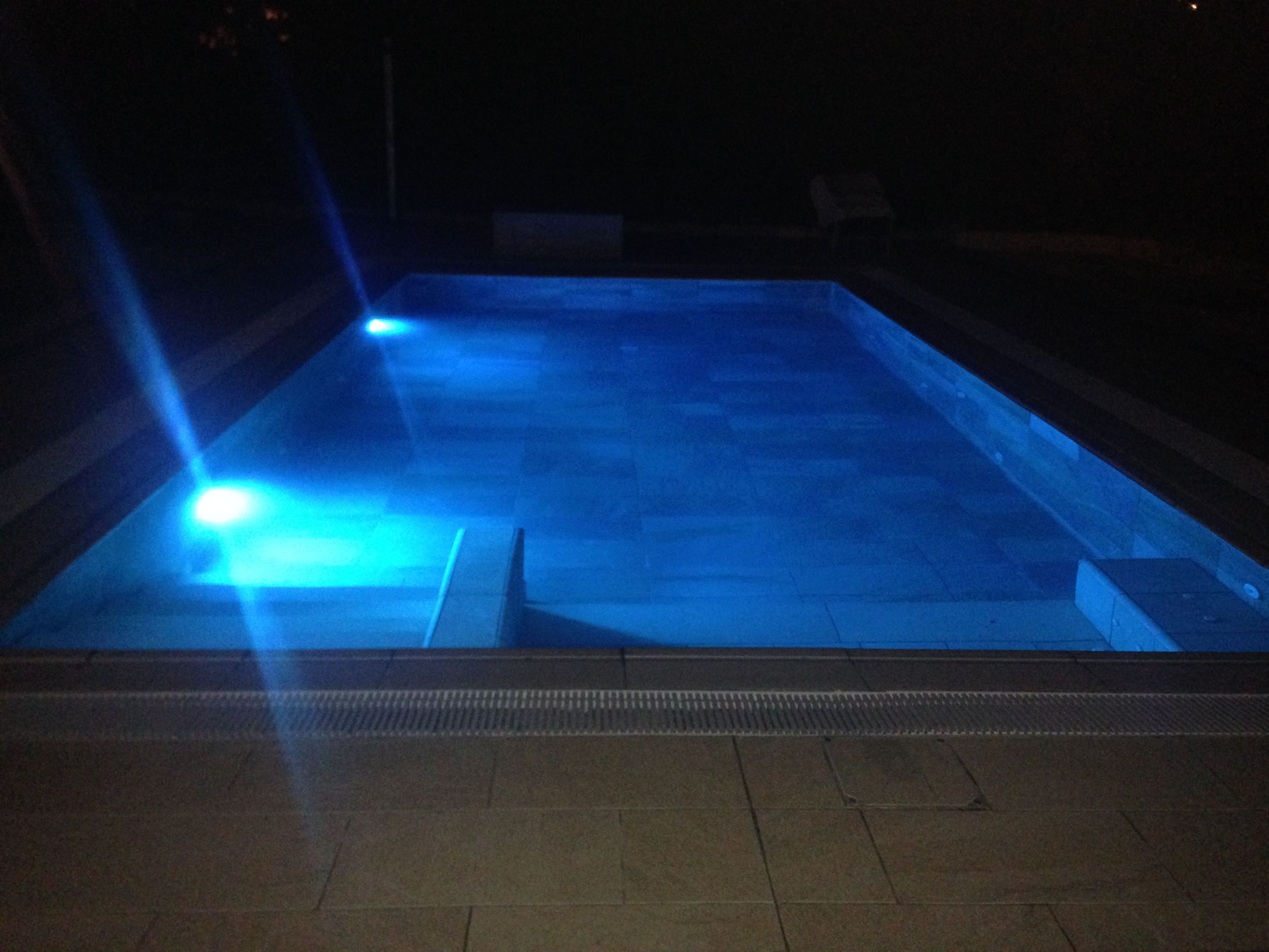 loxone_aquastar_piscina_LED_1
