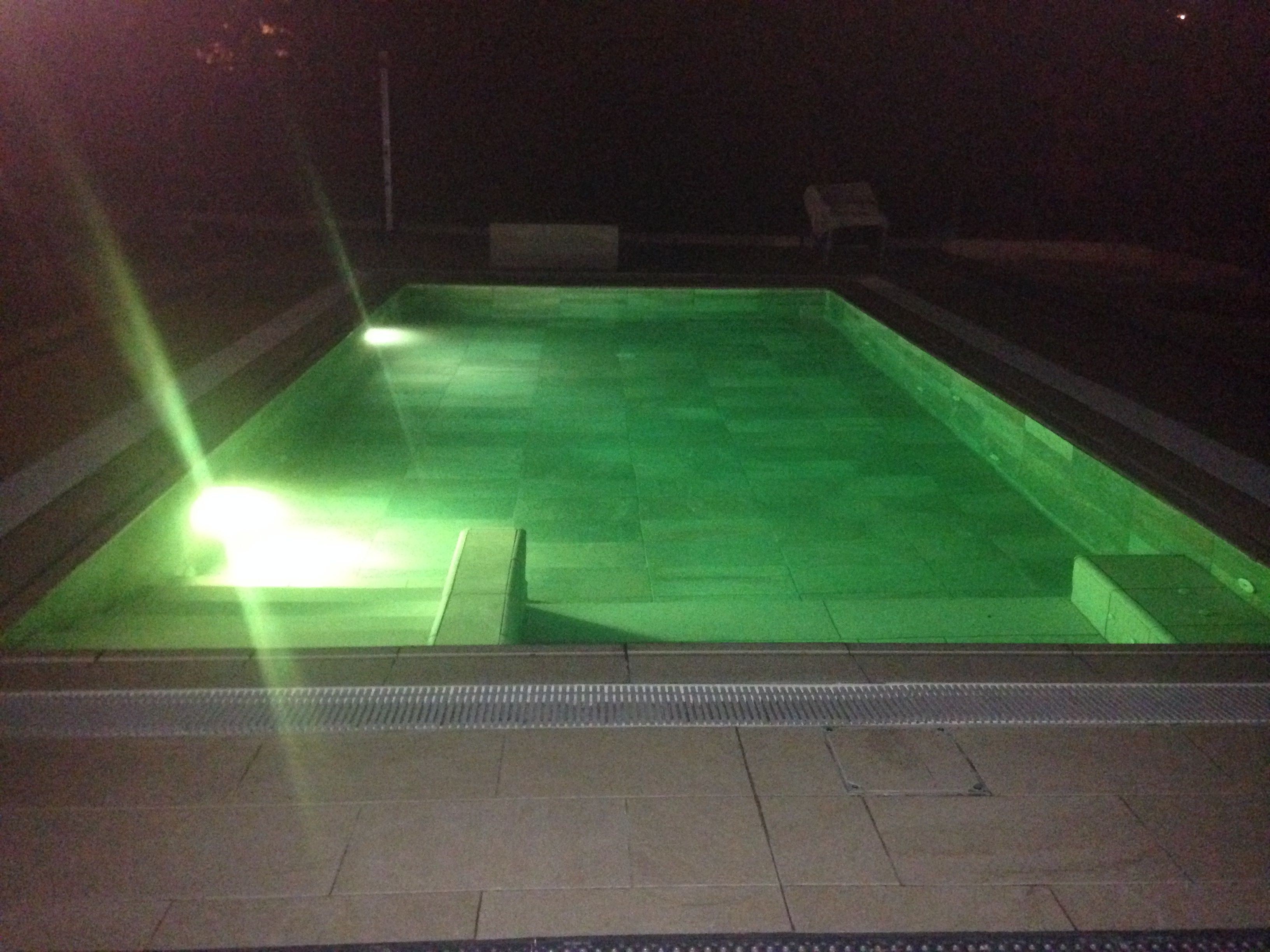 loxone_aquastar_piscina_LED_2